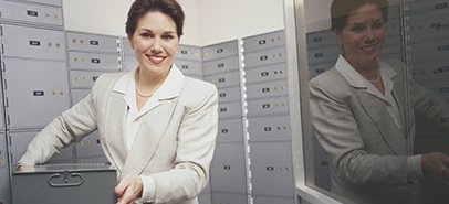 K&H safe deposit box rental service